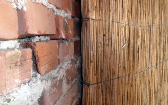 Стена из камышита